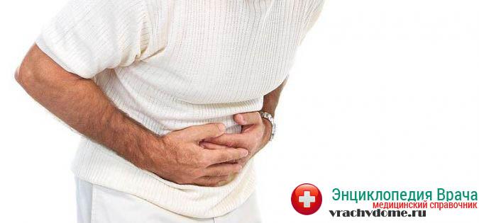 Обязательно следует обратиться за консультацией к хирургу в том случае, если боль в животе не проходит на протяжении шести часов, а из прямой кишки наблюдается регулярное выделение кровяных сгустков