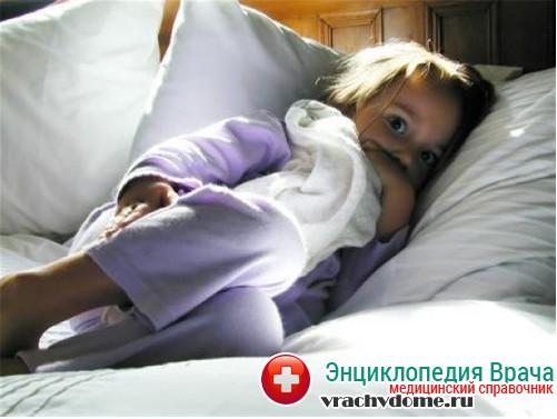 кашель у ребенка ночью причины
