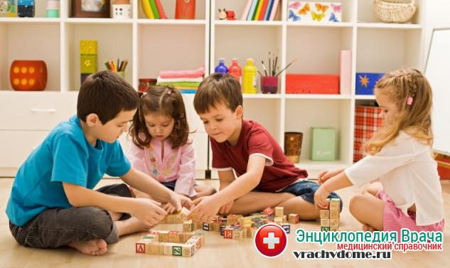 Родители должны создать дома для ребенка такие условия, при которых он в меньшей степени будет подвержен получению различных травм