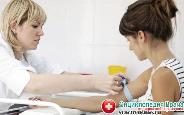 При появлени признаков гирсутизма необходимо сдать анализы на уровень мужских гормонов в крови
