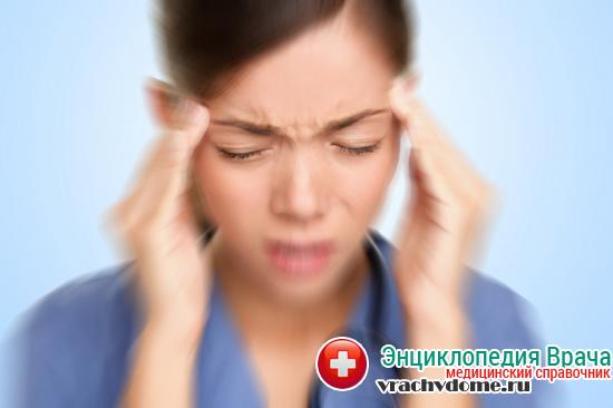 Синдром Меньера проявляется головокружениями