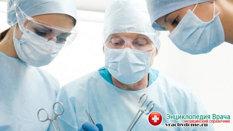 Хирургическая операция применятся только тогда, когда медикаментозное лечение и специальные физические упражнения не создают должного эффекта